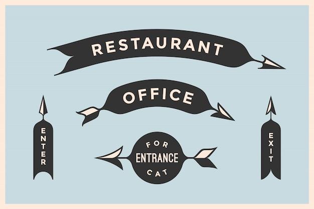 Set van vintage pijlen en banners met inscriptie restaurant