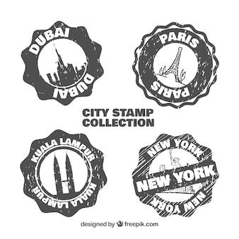 Set van vintage postzegels van handgetekende steden