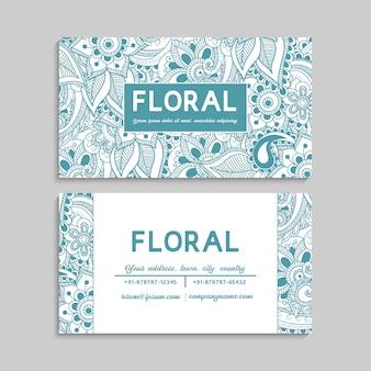 Set van visitekaartje met zentangle hand getrokken bloemen
