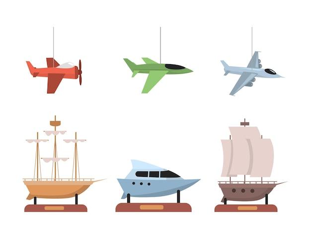 Set van vliegtuigen en boten vlakke afbeelding geïsoleerd op