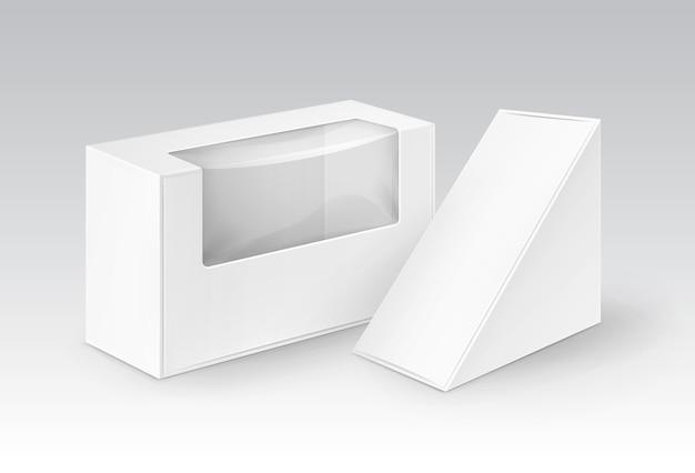 Set van witte lege kartonnen rechthoek driehoek weg te nemen dozen verpakking voor sandwich, eten, cadeau, andere producten met plastic venster mock up close-up geïsoleerd