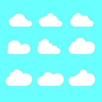 Set van wolken. cartoon wolken geïsoleerd op blauwe achtergrond. vector illustratie.