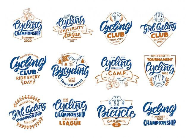 Set vintage fietsen, fiets emblemen, postzegels. kleurrijke badges, sjablonen, stickers