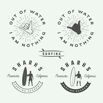Set vintage surfen logo's, emblemen, badges, labels en designelementen.