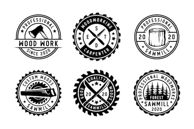 Set vintage timmerwerk en monteur etiketten emblemen en logo