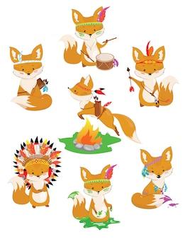 Set vossen van indianen. verzameling van kleine schattige vossen in indiase kostuums.
