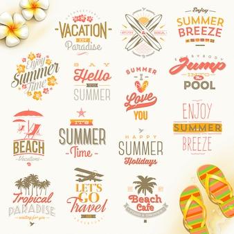 Set zomervakantie, vakantie en reizen typografie. belettering emblemen en logo.