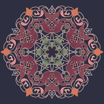 Sier rond kant met damast en arabesque elementen