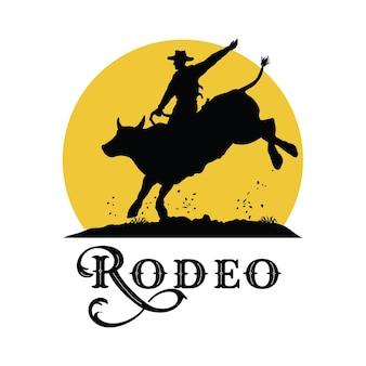 Silhouet os rodeo cowboy rijden stier bij zonsondergang, vector
