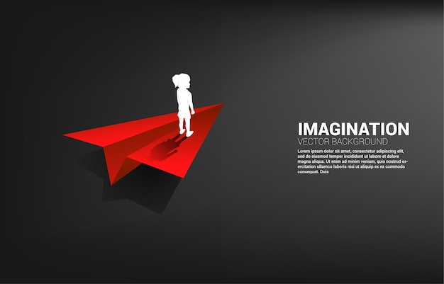 Silhouet van meisje op origami papieren vliegtuigje. concept kinderen verbeelding en onderwijs.