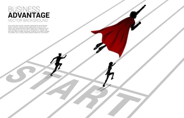 Silhouet van zakenman die over loper op het goede spoor vliegt. concept van boost en groei in het bedrijfsleven.