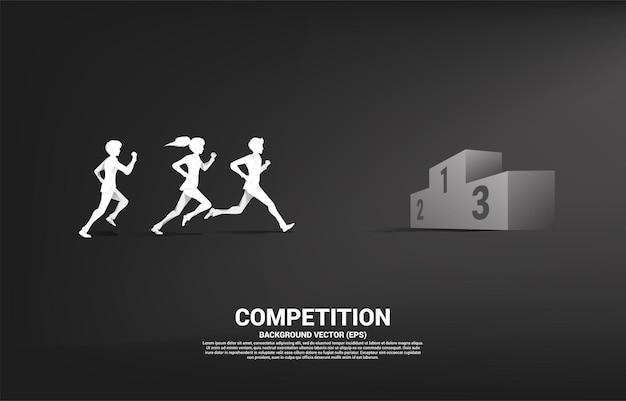 Silhouet van zakenman en zakenvrouw die naar het podium van de eerste plaats rennen. bedrijfsconcept van winnaar en succes