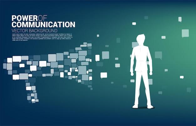 Silhouet van zakenman permanent met grote megafoon van kleine zeepbel toespraak pictogram.