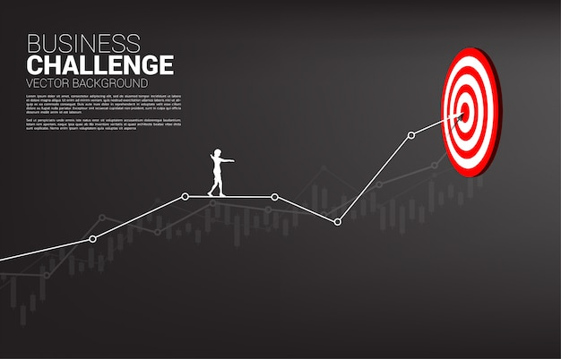 Silhouet van zakenvrouw lopen touw online grafiek naar het centrum van dartbord. concept van targeting en zakelijke uitdaging. route naar succes.