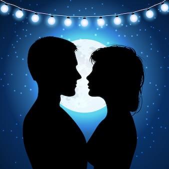 Silhouetten van paar op de maanlichtachtergrond