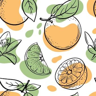 Sinaasappelen en plakjes schetsen met oranje en groene kleur spatten naadloze patroon op witte achtergrond