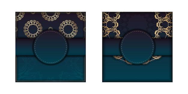 Sjabloon felicitatie flyer met een kleurverloop van blauwe kleur met een gouden mandala-patroon voor uw ontwerp.