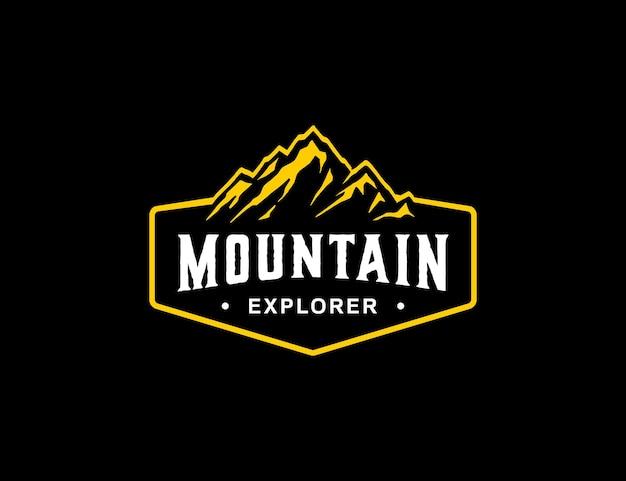 Sjabloon met logo voor bergavontuur