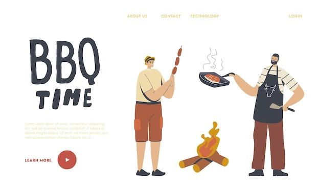 Sjabloon voor bestemmingspagina voor zomerrecreatie. gelukkige mannelijke personages brengen tijd door op buitenbarbecue. familie of vrienden koken, worstjes en vlees eten op de grill in de voortuin. lineaire mensen vectorillustratie