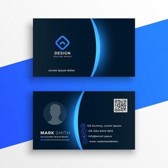 Sjabloon voor donker visitekaartjes met blauw lichteffect