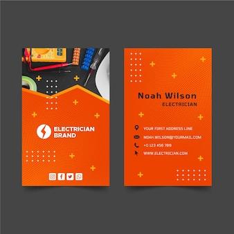 Sjabloon voor dubbelzijdige verticale visitekaartjes voor elektricien