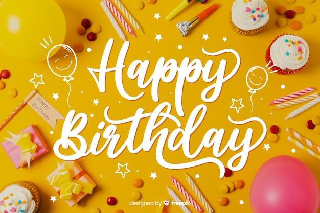 Sjabloon voor gelukkige verjaardag belettering concept