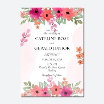 Sjabloon voor huwelijksuitnodiging met aquarel perzik bloemenachtergrond