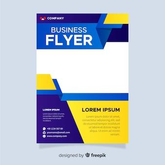 Sjabloon voor moderne zakelijke flyer met platte ontwerp