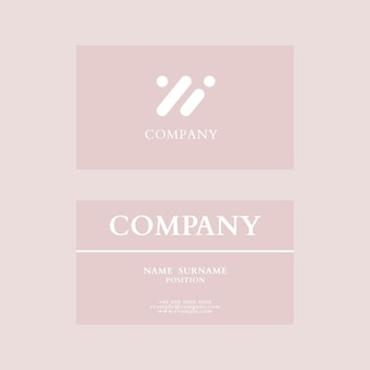 Sjabloon voor visitekaartjes in roze flatlay