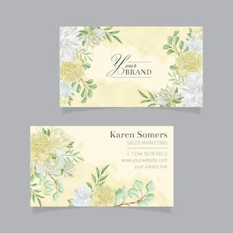 Sjabloon voor visitekaartjes met aquarel bloemen