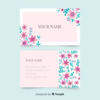 Sjabloon voor visitekaartjes met bloemen
