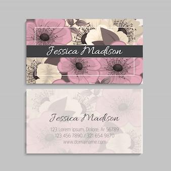 Sjabloon voor visitekaartjes met bloemmotief