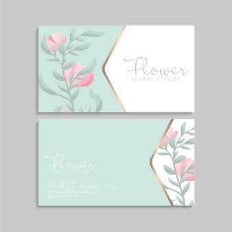 Sjabloon voor visitekaartjes met eenvoudige roze bloemen