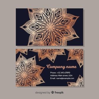 Sjabloon voor visitekaartjes met mandala ontwerp