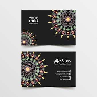 Sjabloon voor visitekaartjes met mandala