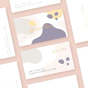 Sjabloon voor visitekaartjes met pastel gekleurde vlekken