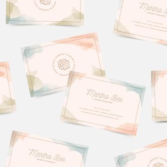 Sjabloon voor visitekaartjes van aquarel vlekken