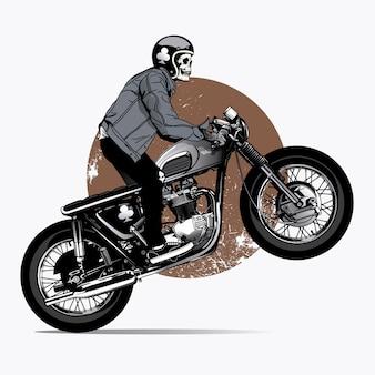 Skelet richt een motorfiets op