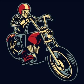 Skull rijdt op een grote motorfiets