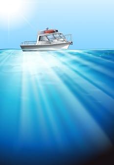 Sleepboot die op het water drijft