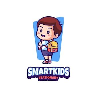 Slimme kinderen stationair mascotte logo-ontwerp