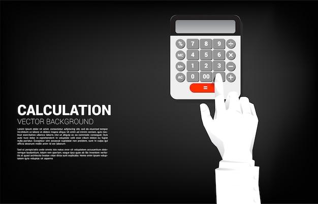 Sluit omhoog de knoop van de bedrijfshandaanraking op calculator. bedrijfsconcept financiënboekhouding en betaling