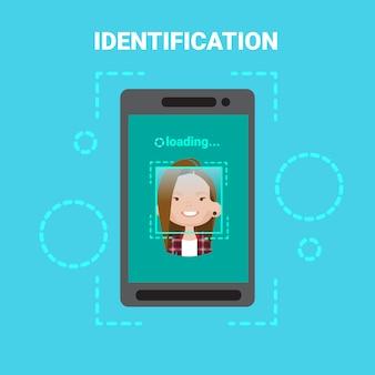 Smart phone loading face identification system scanning vrouwelijke gebruiker toegangscontrole moderne technologie