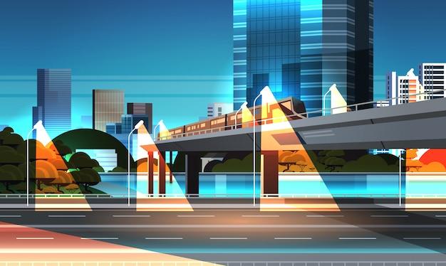 Snelweg weg nacht stad straat met moderne wolkenkrabbers