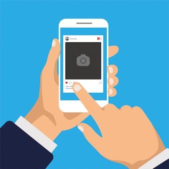Sociale netwerken op een smartphonescherm. interfacesjabloon voor mobiele app. hand houdt telefoon en klik op een knop. platte ontwerp fotolijst illustratie.