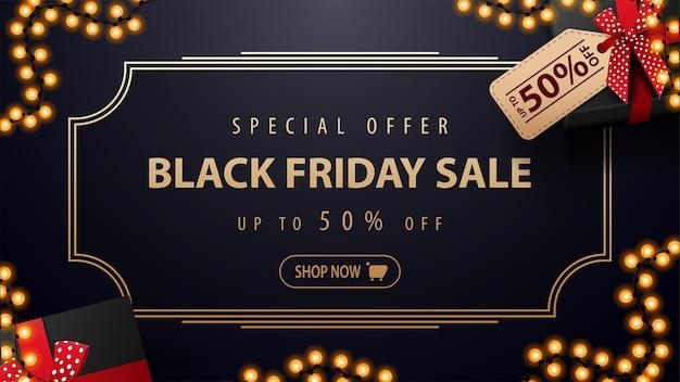 Speciale aanbieding, black friday-uitverkoop, blauwe kortingsbanner met huidige doos met prijskaartje met aanbieding, vintage gouden lijnframe, knop en slingerframe, bovenaanzicht.