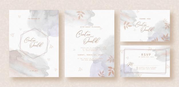 Splash grijze waterverf met bloemenvorm op huwelijksuitnodiging