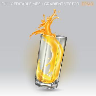 Splash van sinaasappelsap in een hoog glas.