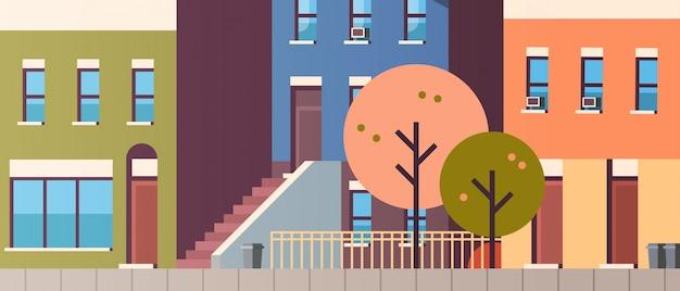 Stadsgebouw huizen bekijken herfst straat bladeren vallen onroerend goed vlak horizontaal