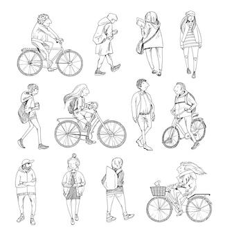 Stadsmensen. mannen en vrouwen in verschillende kleding met fietsen. hand getrokken lijn vectorillustratie.